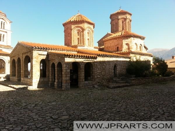 Buitenkant van Sveti Naum Klooster (Macedonië)