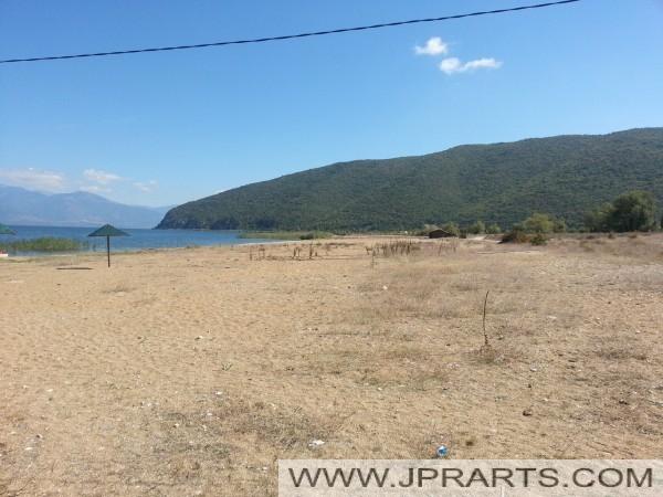 Брегот на Преспанското Езеро (Македонија)