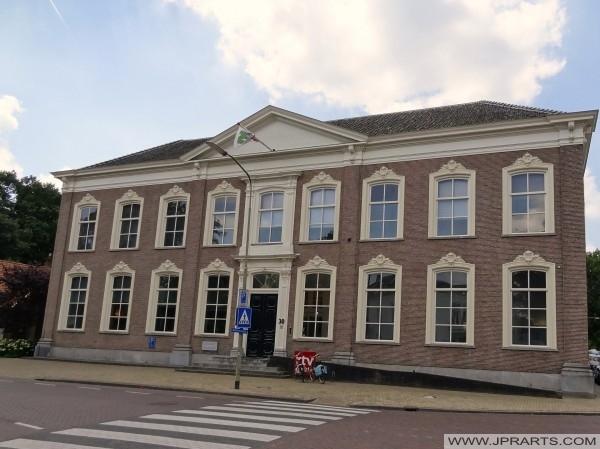 ehemalige Rijks Hogere Burger und heute Gebäude für RTV Drenthe (Assen, Niederlande)
