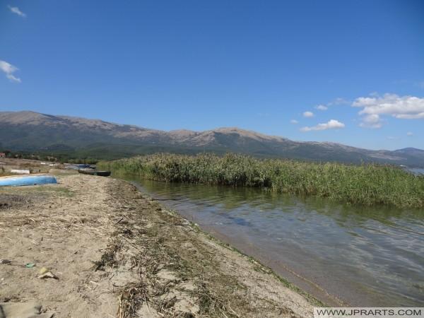 Чамци на страни језера Преспа (Македонија)