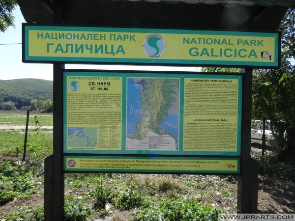 znak informacyjny św Naum (Macedonia)