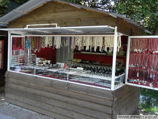 Souvenirs à vendre à Sveti Naum