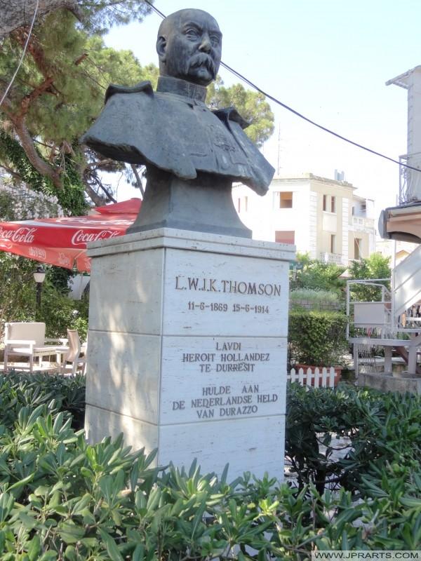 Borstbeeld van Thomson (Durres, Albanië)