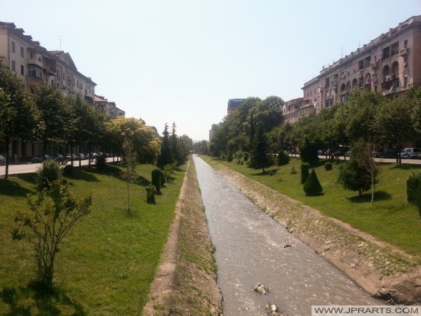 Lana Fiume a Tirana (Albania)