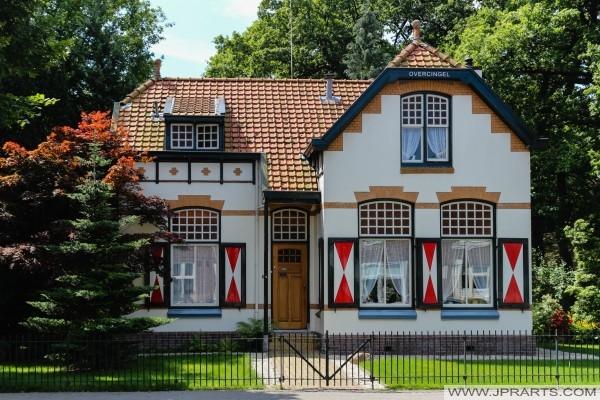 huis van de tuinman van het landgoed Overcingel in Assen, Nederland