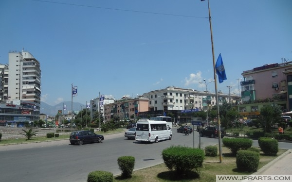 Blick auf die Straße von Tirana (Albanien)