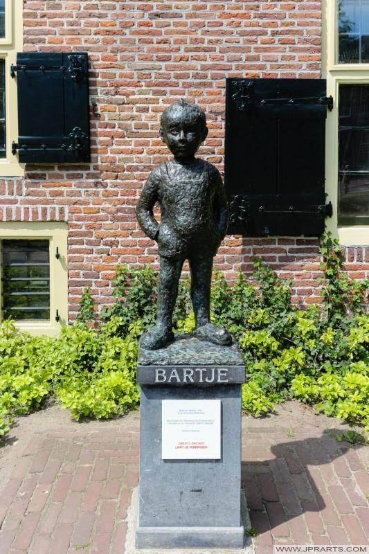 bronzen standbeeld van Bartje (Assen, Nederland)