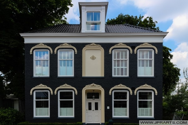 Dark blue house in Assen