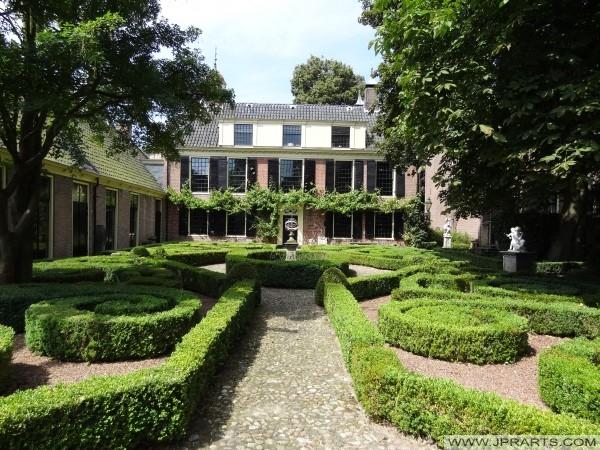 Zahrada se Ontvangershuis v Assenu, Nizozemí