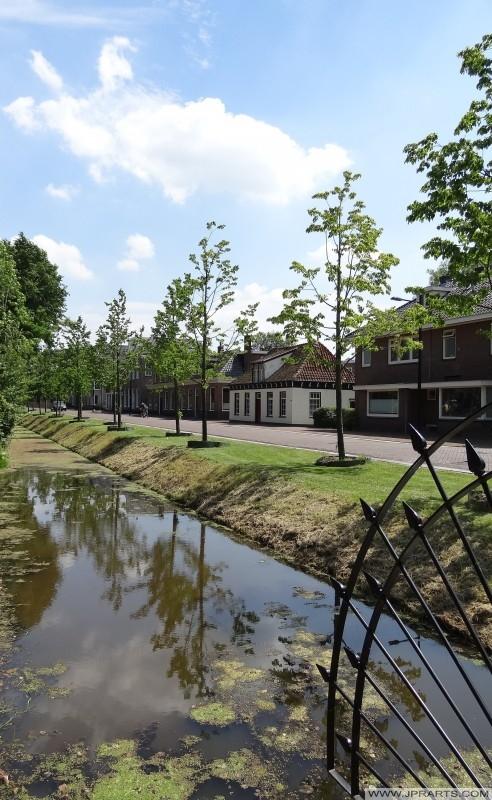 casas próximas a Gouverneurstuin em Assen, Holanda