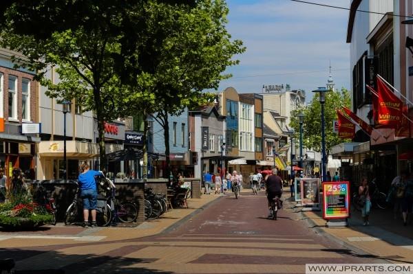Winkels aan de Gedempte Singel in Assen, Nederland