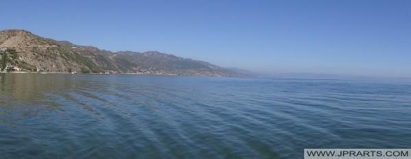 Arnavutluk güzel göller