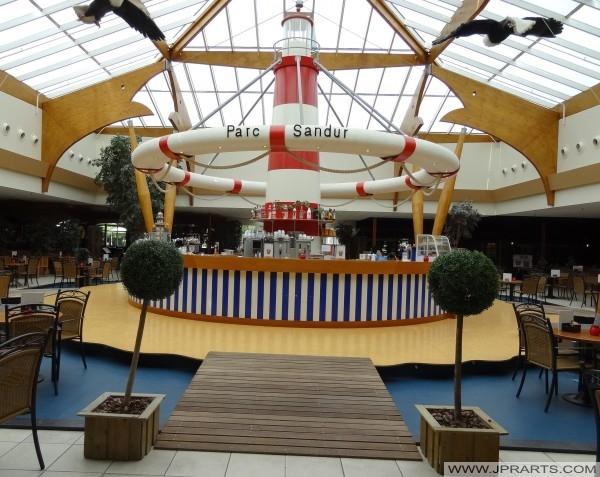 De Plaza in Parc Centrum Sandur (Emmen, Nederland)