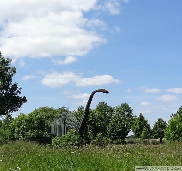 Joppie, el dinosaurio de madera en Emmen, Países Bajos