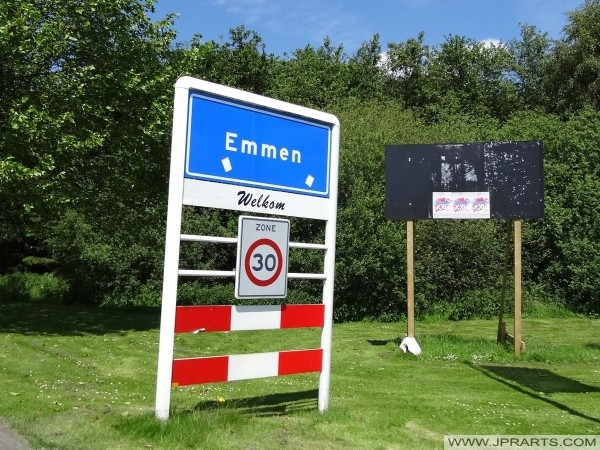 Plaatsnaambord Emmen (Nederland)