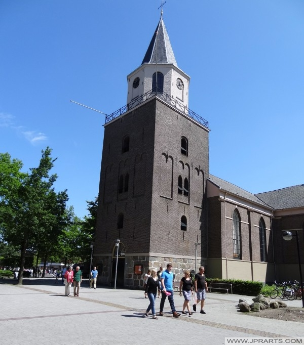 Turm der Großen oder Pankratius Kirche in Emmen, Niederlande