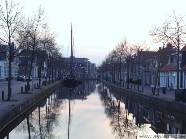 Zachód słońca w Meppel, Holandia