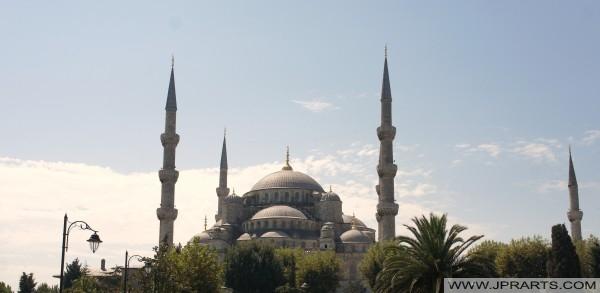 सुल्तान अहमद मस्जिद या नीला मस्जिद (इस्तांबुल, तुर्की)