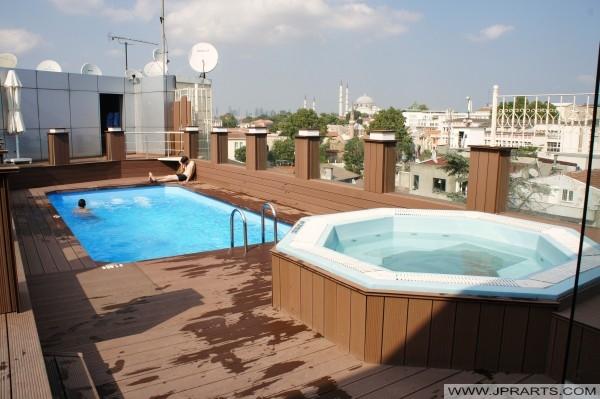 Swimming pool and jacuzzi Klas Hotel Istanbul, Turkey