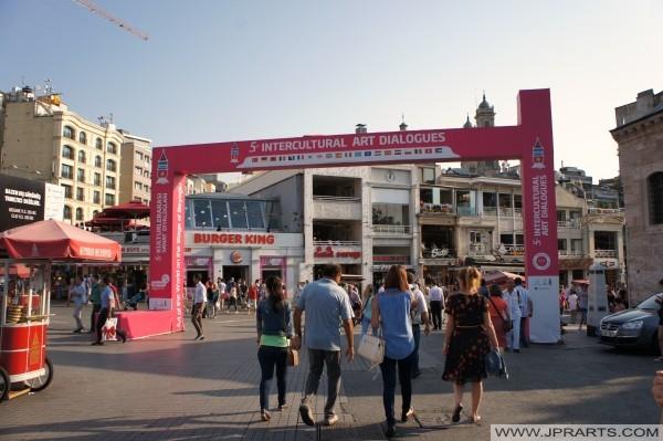 5e Interculturelles dialogues d'art Jours passés dans Beyoğlu, İstanbul