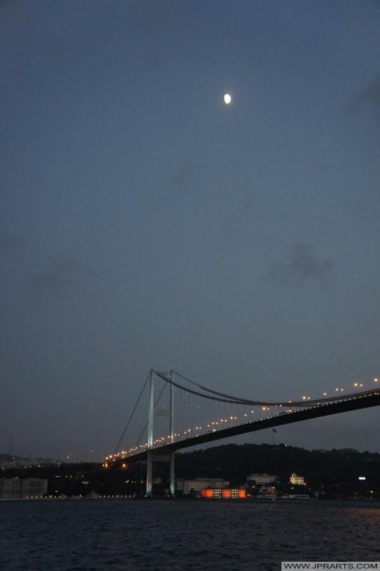 밤 보스포러스 다리 (이스탄불, 터키)