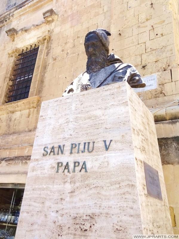 Popiersie San Piju V Papa (Valletta, Malta)
