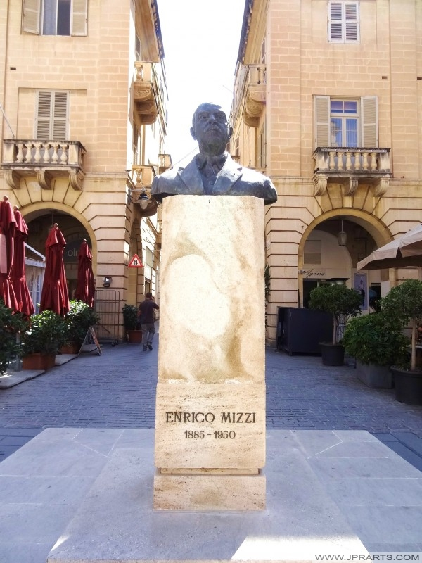 Buste de Enrico Mizzi à Valletta, Malte