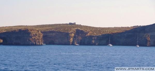 Barcos de vela de la costa de Comino, Malta