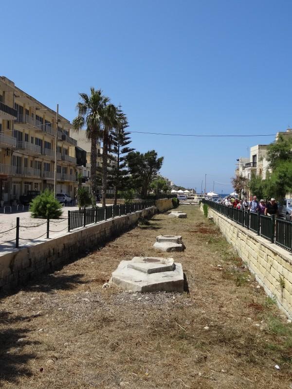 Rivière à sec à Marsalforn (Gozo, Malte)