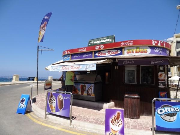 Ekza Kiosk f'Marsalforn (Għawdex, Malta)
