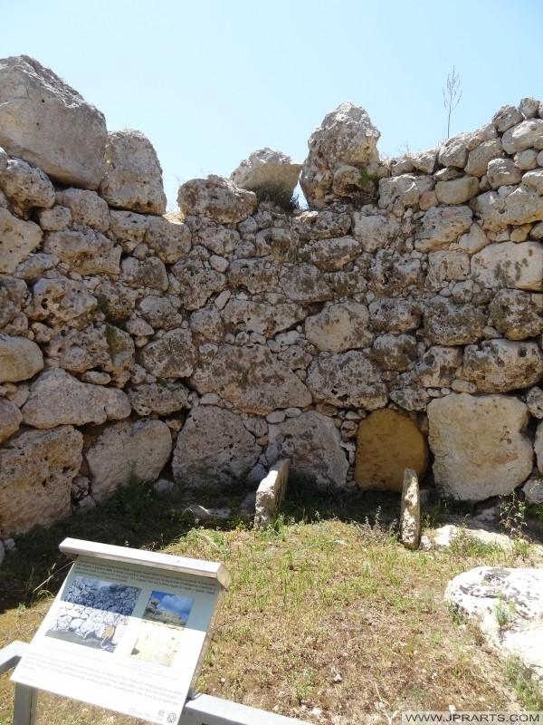 ジュガンティーヤ神殿の一部(ゴゾ島、マルタ)