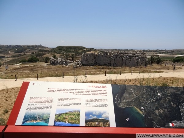 Temple of Ġgantija and Information Board (Gozo, Malta)
