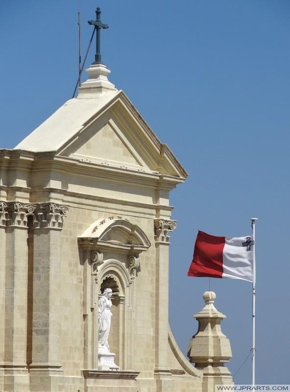 Madonna Estátua na Catedral de Gozo em Victoria, Malta
