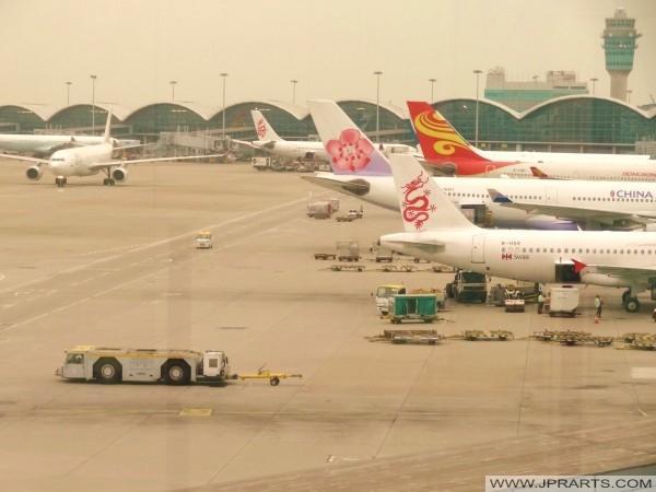飞机在香港国际机场