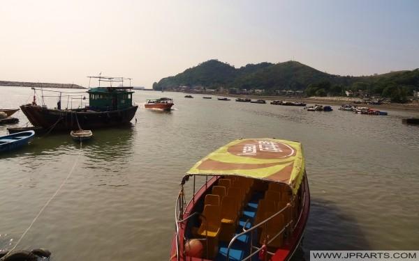 大澳乘船游览香港