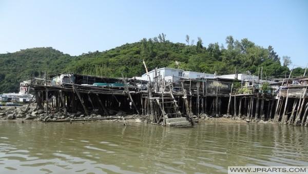 Тай Про поїздка село човен через ходулях будинків