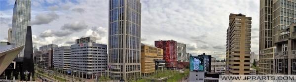 Blick von der riesigen Treppe in Rotterdam, Niederlande