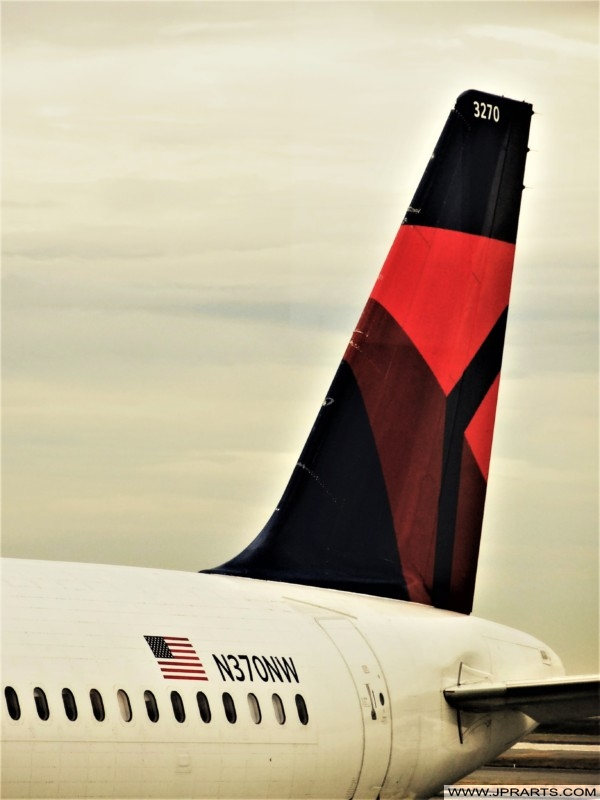 Delta Airlines (airplane tail designs)