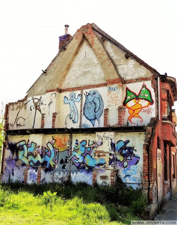 различит графити у Доел, Белгија