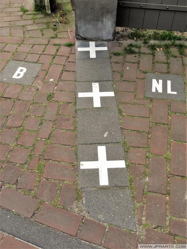 Demarcazione Belgio e Paesi Bassi (Baarle-Hertog - Baarle-Nassau)