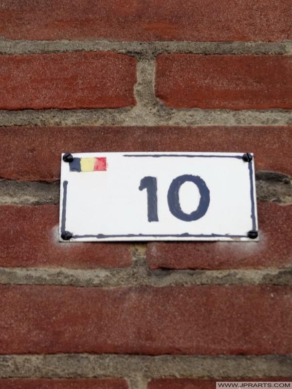 Hausnummer in Baarle-Hertog, Belgien
