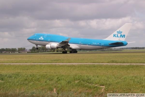 KLM Boeing 747-406 stijgt op vanaf Schiphol, Nederland