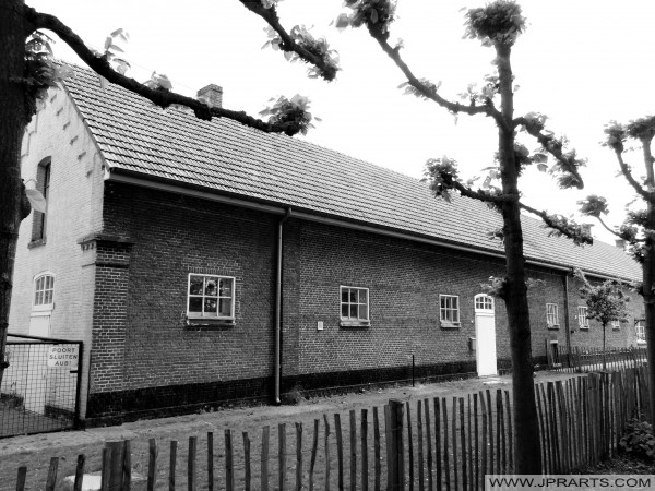 Starej stodole w Wortel Colony, Belgii