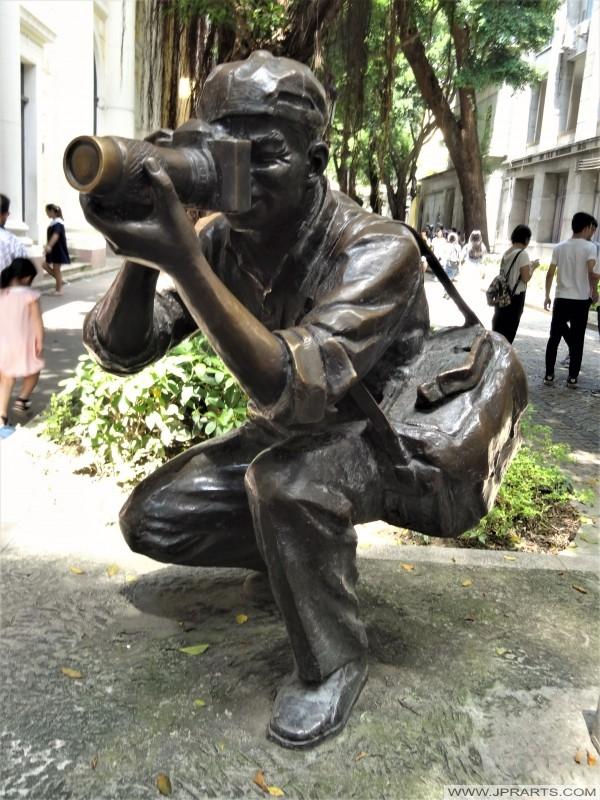 Photographer statue (Guangzhou, China)