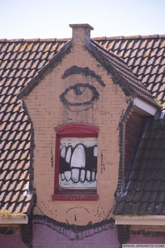 Graffiti dans le village fantôme de Doel, en Belgique