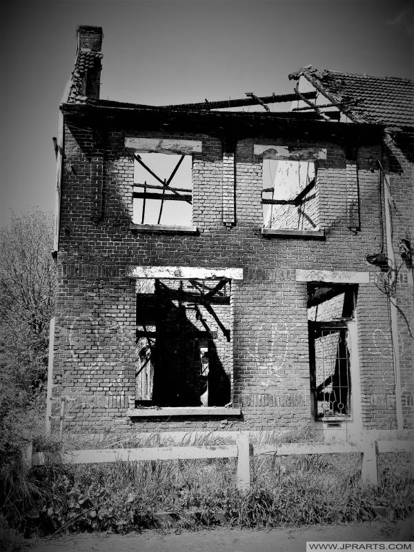 Verbrand Huis in Doel, België