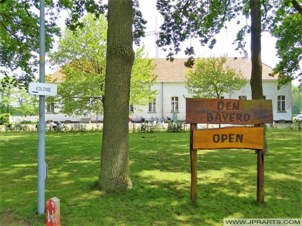 Den Bayerd caffetteria estiva in Wortel Colony, Belgio