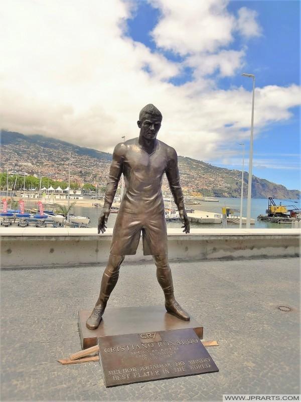 Estátua de Cristiano Ronaldo no Funchal (Madeira, Portugal)