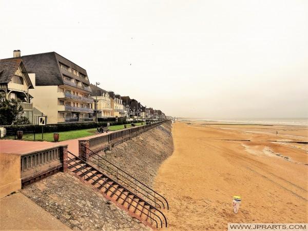 La plage et de la promenade à Cabourg, France
