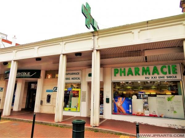 Farmacia Du XXIème Siècle a Cabourg, Francia
